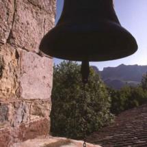 Campana-de-la-Iglesia-de-Santiago-Apostol-de-Arintero-(Fotog-M.-Martin)