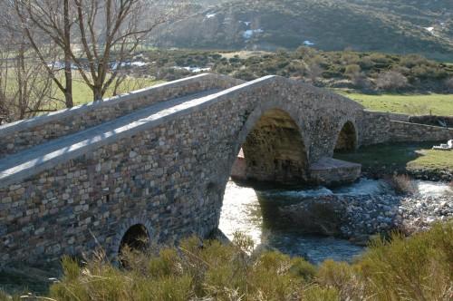 Lugueros.-Puente-del-Llano-Nevero,-restaurado.
